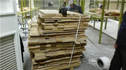 خریدار  ضایعات چوب  و سلایی الوار پالت mdf