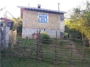 فروش خانه در لاهیجان بند بن 1000 متر