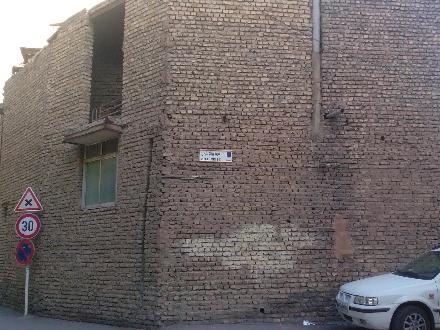 فروش ملک کلنگی در اصفهان بزرگمهر 130 متر